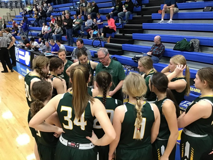 Coach+Skrdla+preparing+his+team+for+the+second+half+of+the+game+against+Kearney+High+School.+The+Lady+Dragons+defeated+Kearney+High+School