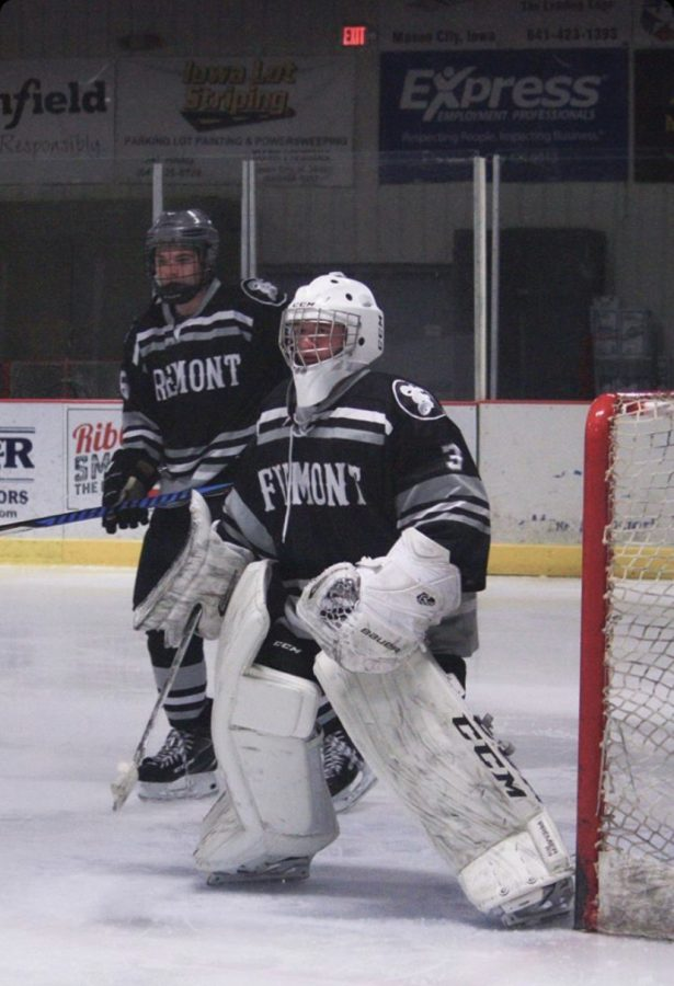 Brick+Wall%3A+Playing+Goalie%2C+Matthew+McKinney%2821%29+focuses+on+the+puck.+%22I+have+played+hockey+for+all+four+years+of+high+school%2C%22+McKinney+said.+%22So+I+don%27t+think+balancing+that+with+newspaper+should+be+too+much+of+a+struggle.%22